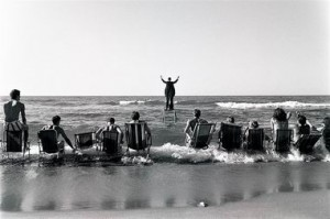 Panoramiczny happening morski, Koncert morski, 1967, fotografia Eustachy Kossakowski,Tę Anka Ptaszkowska ÔÇö kopia